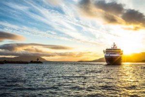 Barco puesta sol Desnowtrips
