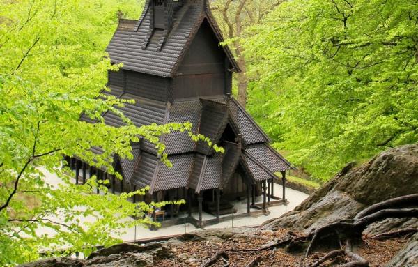 iglesias de madera en Noruega
