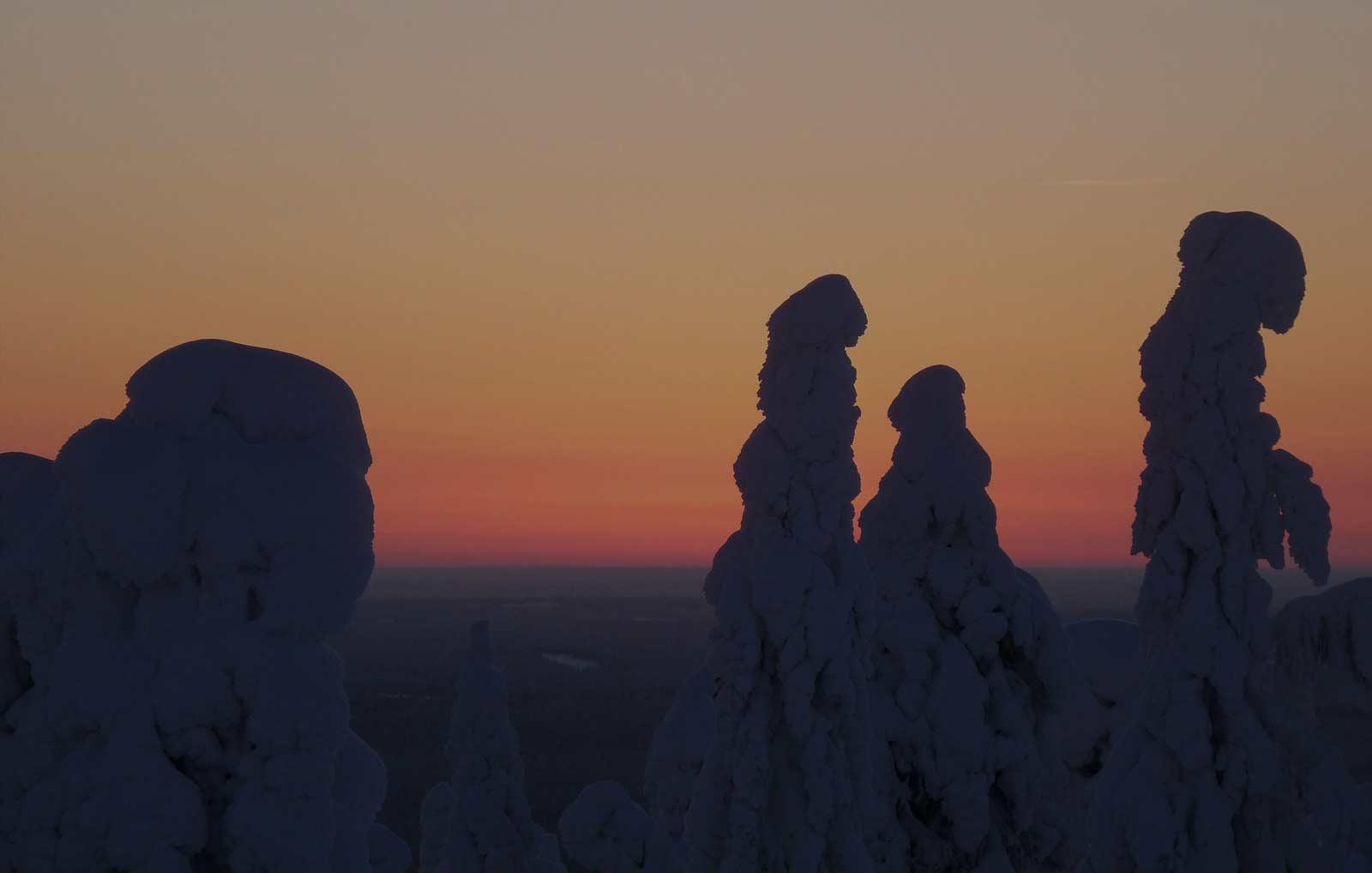 puesta de sol en Laponia